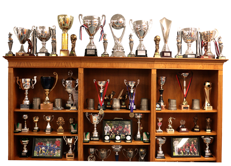 Trophy%20cabinet_edited.png