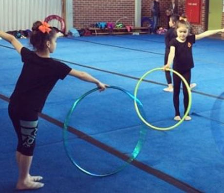 Spin spin the hoop.. ⭕️ Our youngest girls who will take part in the individual event for our Glen I