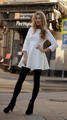 Платье белое шерстяное