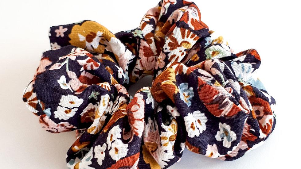 Brooksies - Scrunchie Dark Floral