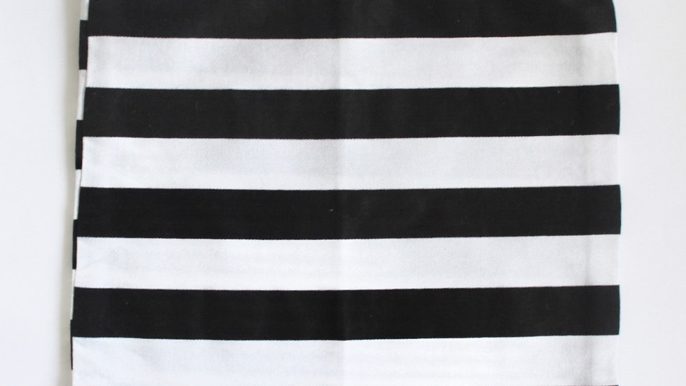 Brooksies - Drawstring Bag Medium Black and White Stripe