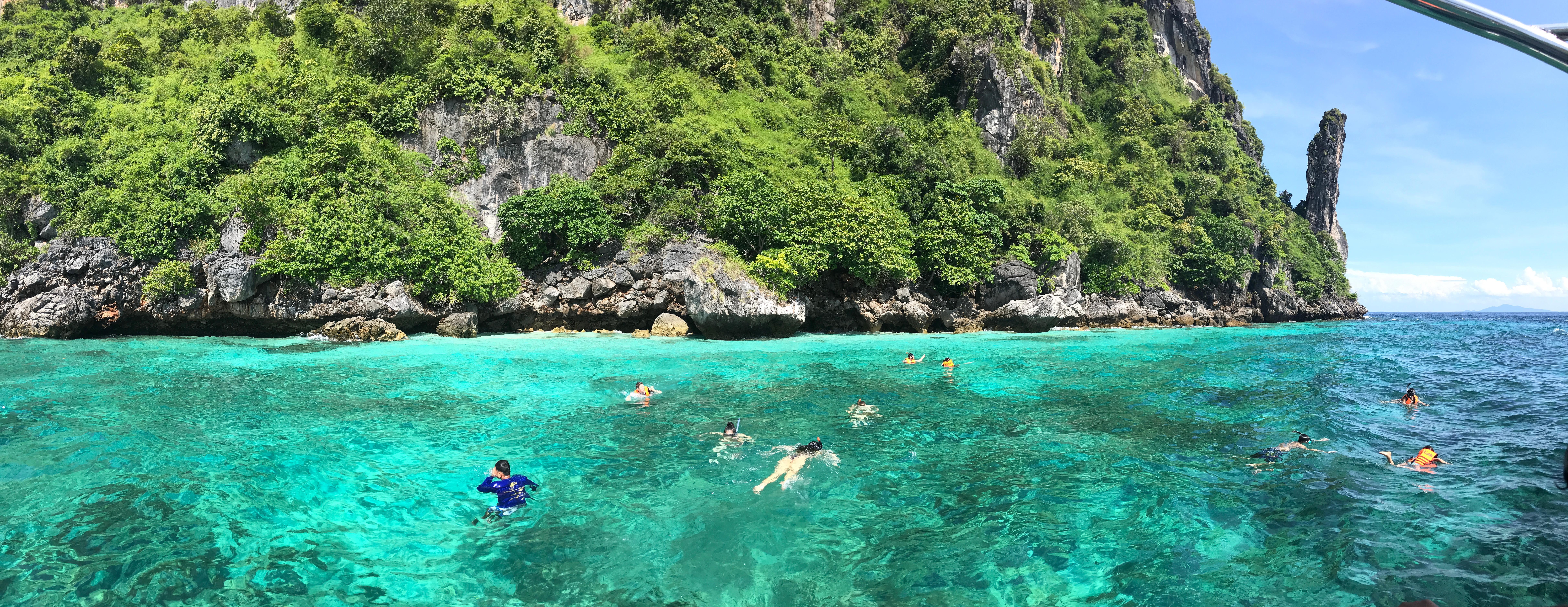 Phi Phi islands tours