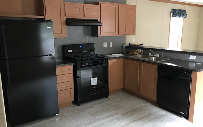 Kitchen - 14x70.JPG