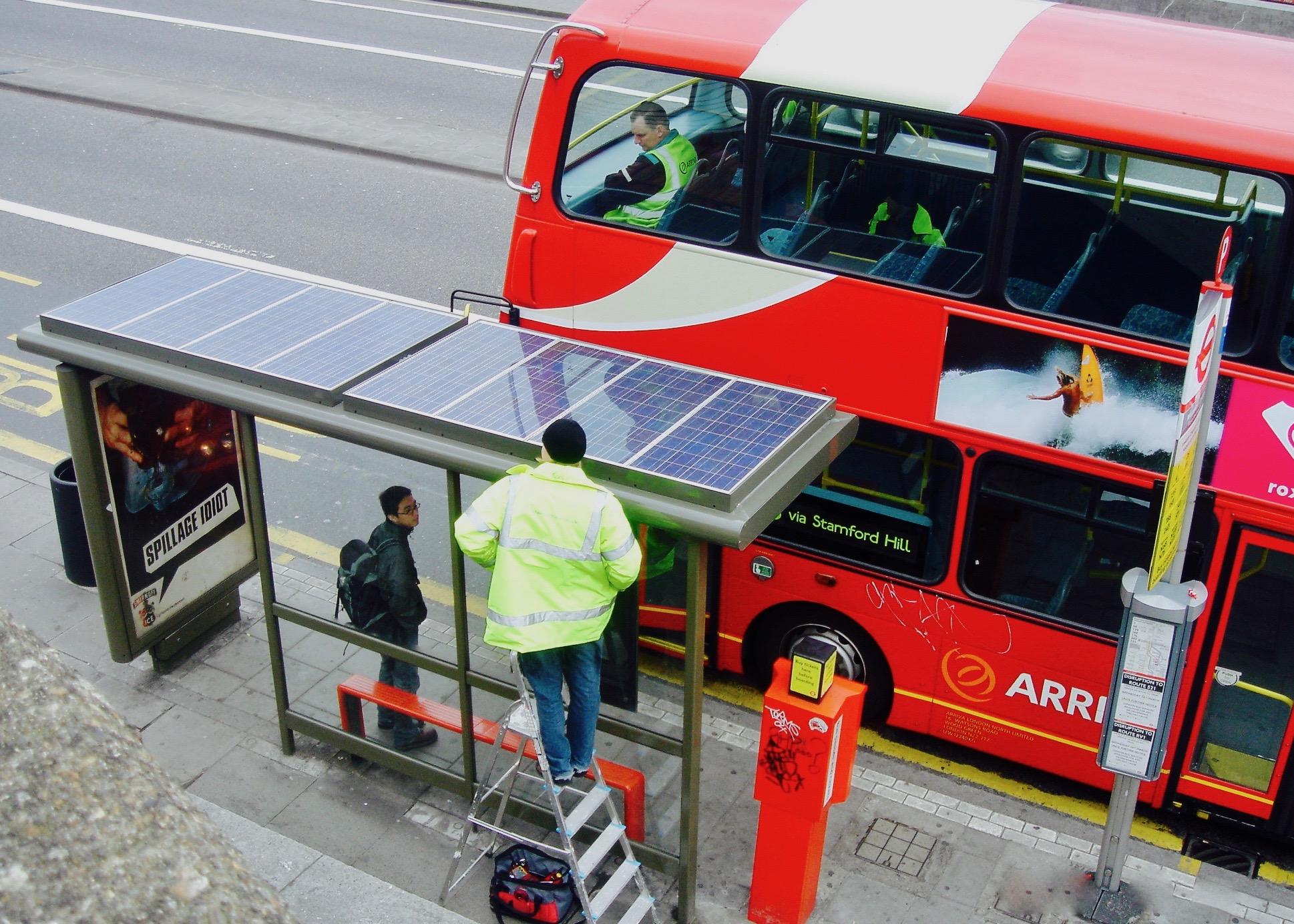 Off-grid bus shelter (London)