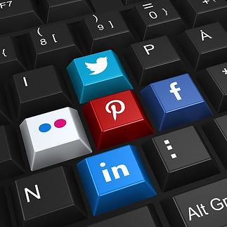social-networking-2187996_1920_edited.jpg