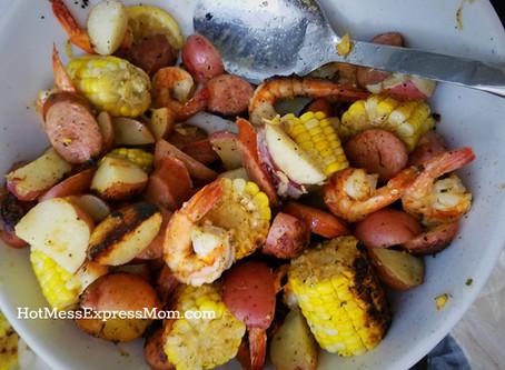"""Easy Grilled """"Shrimp Boil"""" Foil Packets"""