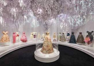 Vous rêviez de voir ou revoir la sublime exposition de Christian Dior ?
