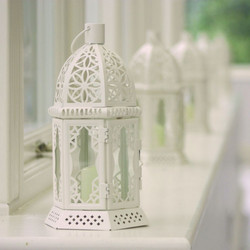 cream-lantern