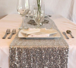silver-table-runner