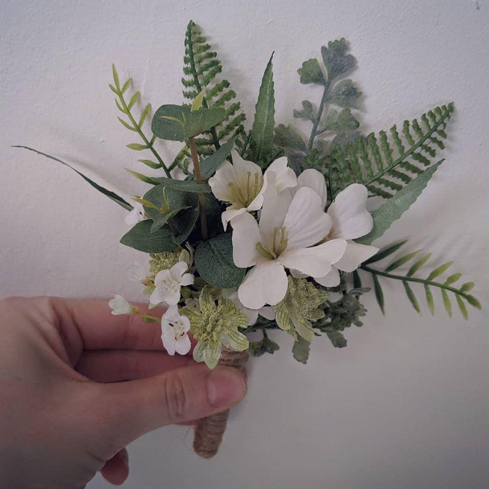 buttonholes 2.jpg