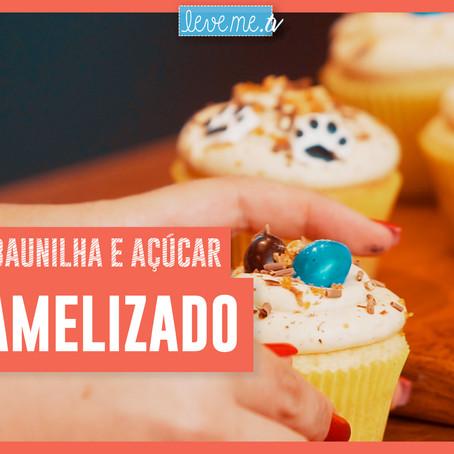 Cupcake de baunilha e açúcar caramelizado