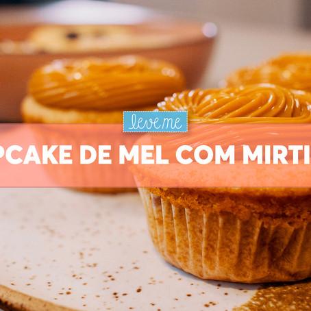 Cupcake de Mel com Mirtilos
