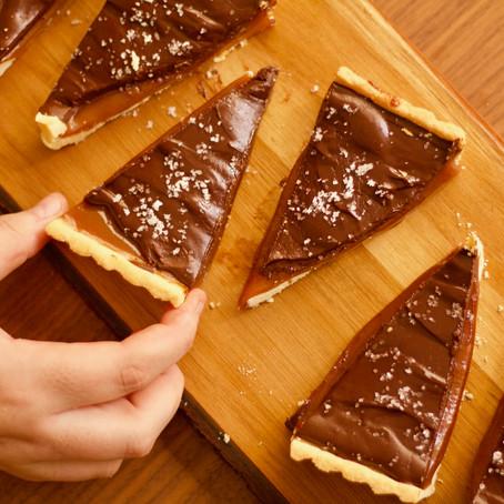 torta de caramelo e chocolate