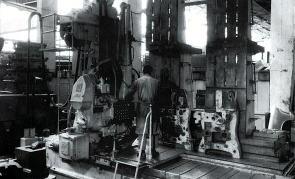 """14 – Ferramentaria/Copiador """"Pratt & Whitney"""""""