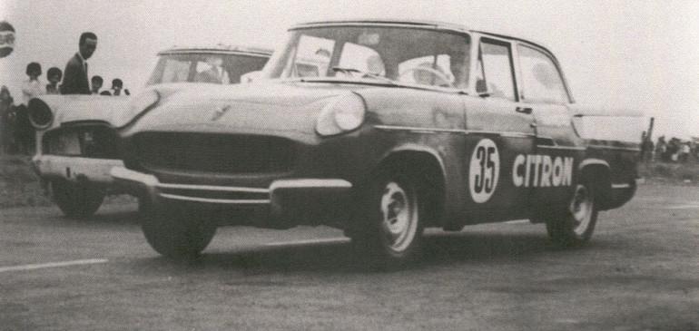 Breno Fornari com o seu protótipo Simca, no final dos anos 60