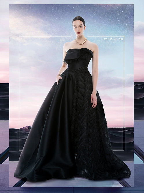 HALF FEATHER GOWN BLACK  SWAN