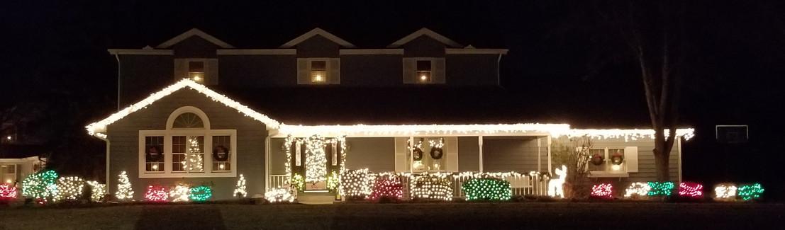 Deck the House Winners Mengerink Curl ho