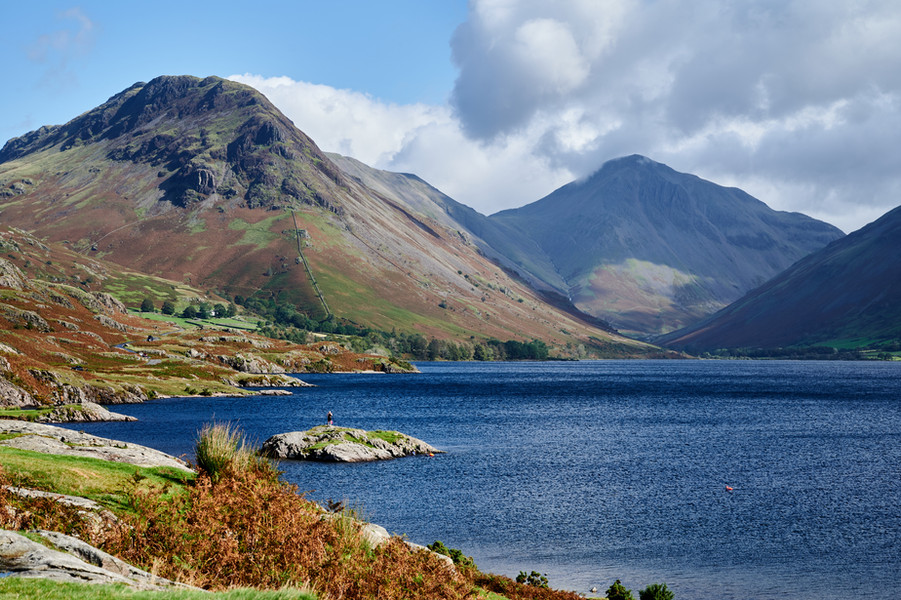Yewbarrow (left) and Great Gable (right) seen from Wastwater