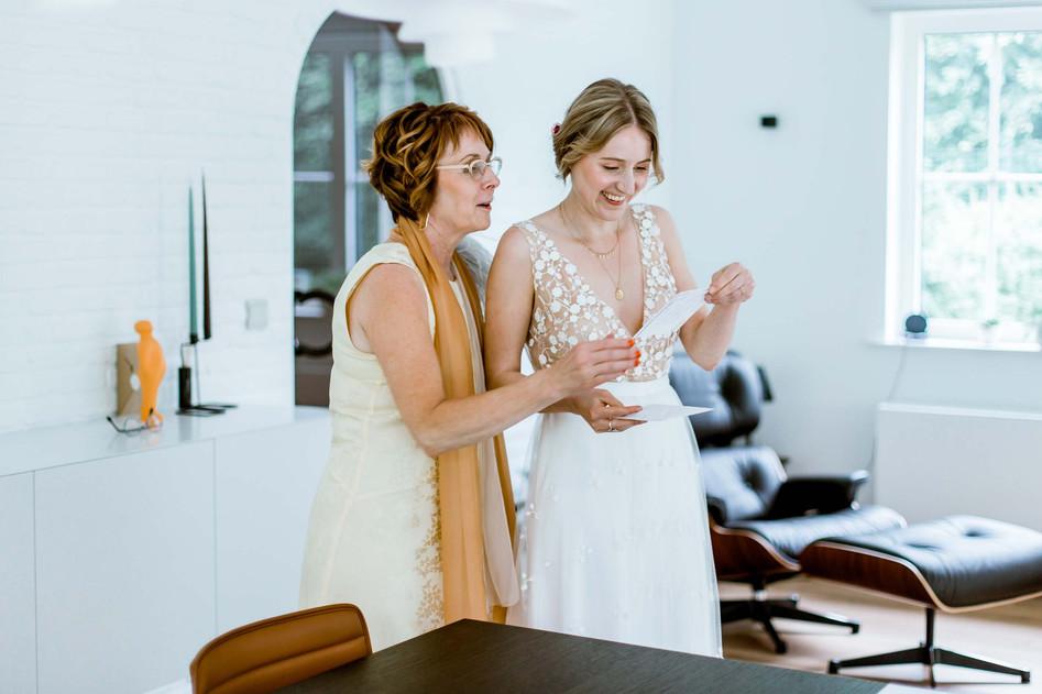 Huwelijksfotografie mama dochter