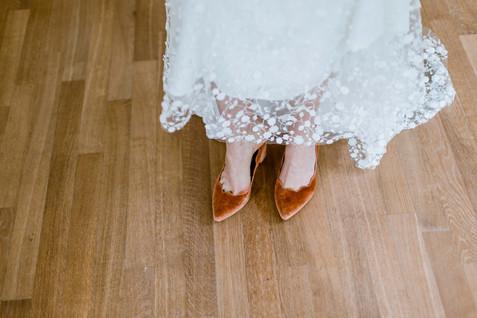 Huwelijksfotografie bruidskleed