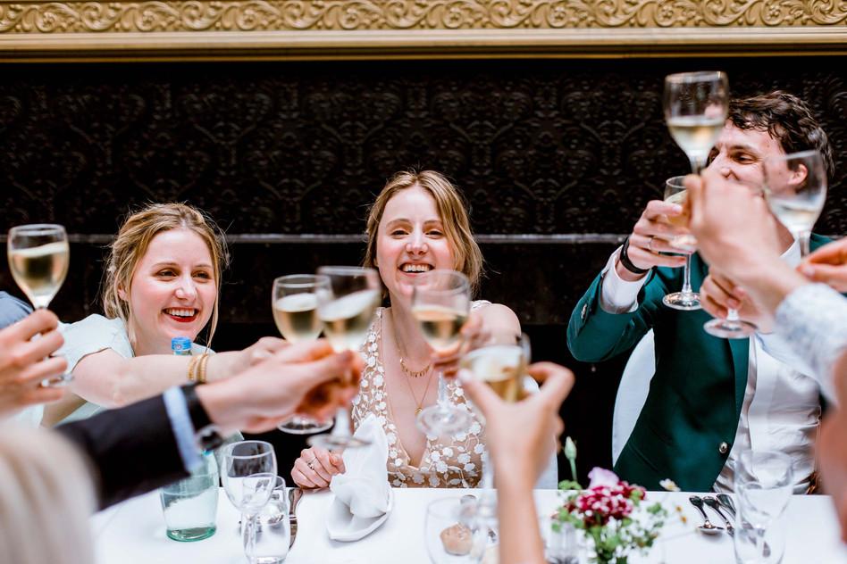 Huwelijksfotografie toast