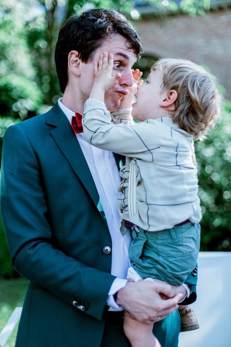 Huwelijksfotografie papa zoon