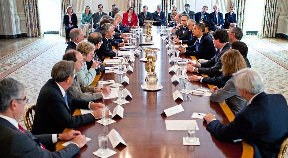 1620px-President_Barack_Obama_meets_with_the_Presidents_Council_of_Advisors_on_Science_and_Technolog