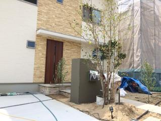 箕面市森町中2丁目の新築外構も完成間近