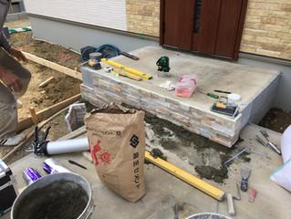 箕面市森町中2丁目で新築外構工事しています。