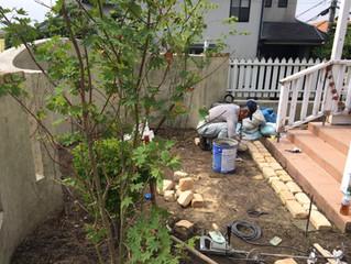 箕面市粟生間谷東でナチュラルガーデンが完成しました。