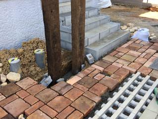 箕面市粟生南で新築外構工事がスタートしました。