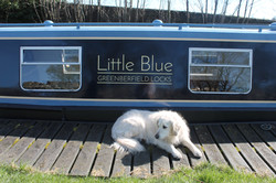 Hire our narrowboat Little Blue