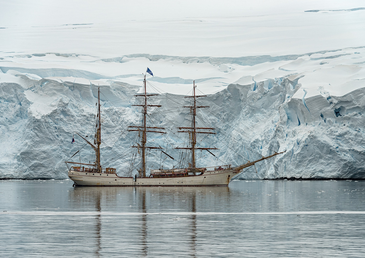 Europa at anchor, Port Lockroy