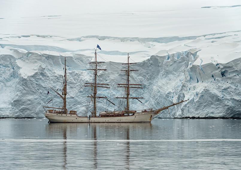 Europa at anchor, Port Lockroy