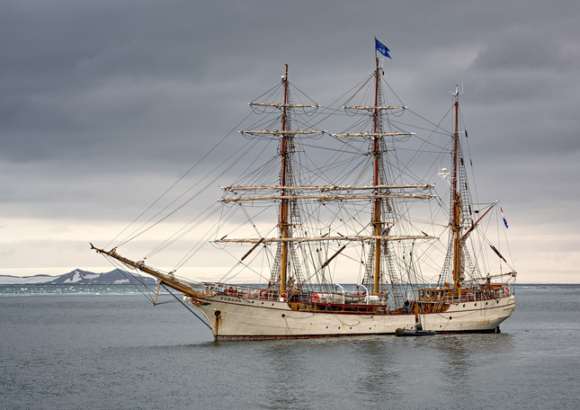 Bark Europa, Fort Point