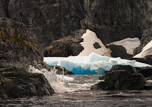 Blue Ice, Spert Island