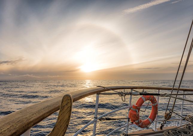 Halo around the sun, Drake Passage