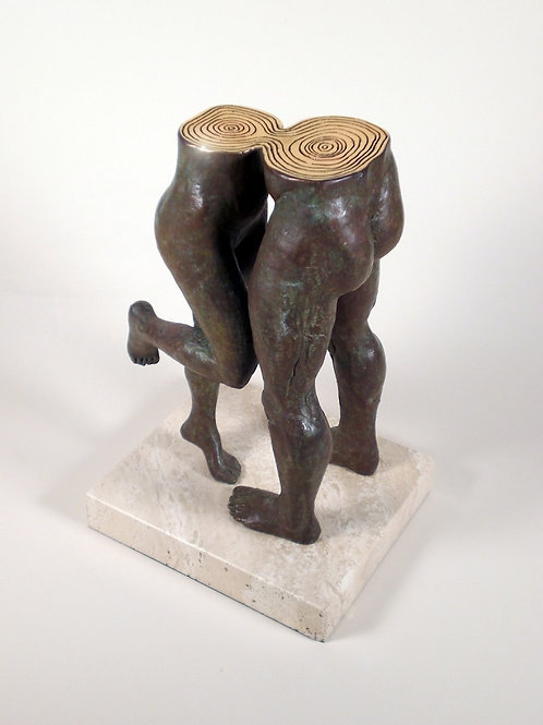 Lorenzo Quinn Sculpture-The Kiss