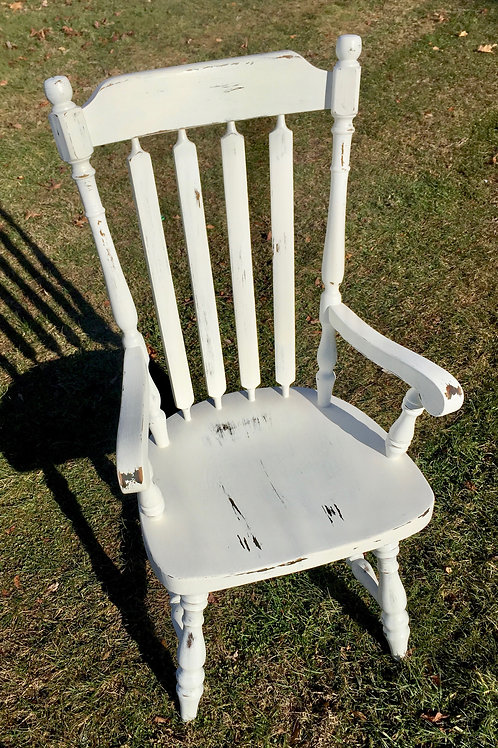 White Distressed Chair 02