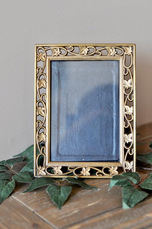"""Vintage Gold Frame 4"""" x 6"""""""