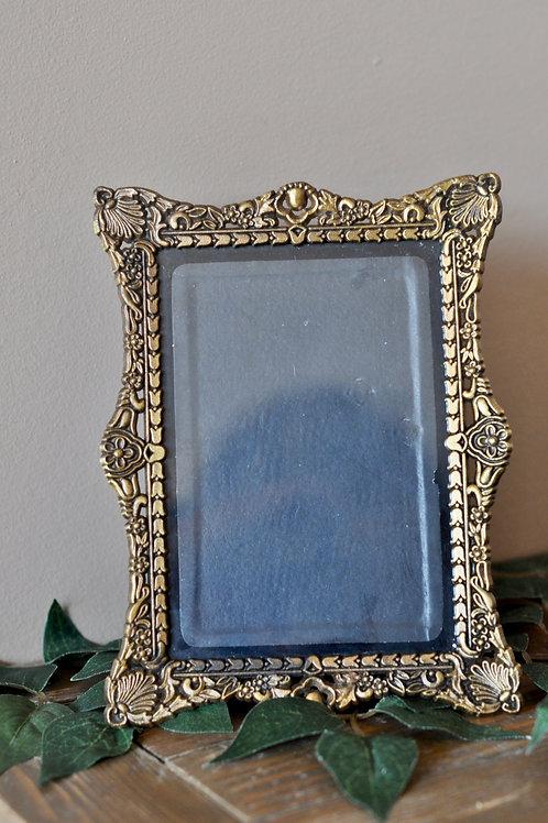 """Vintage Gold Frame 2- 4"""" x""""6"""