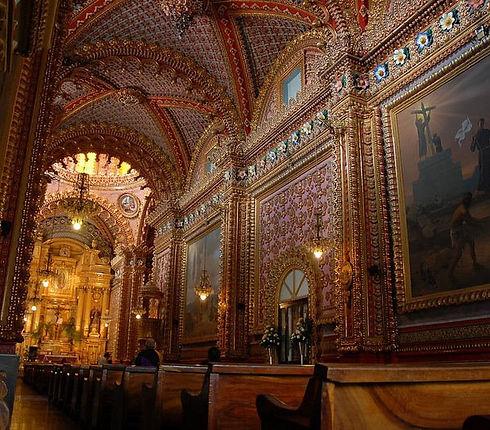 Santuario de Nuestra Señora de Guadalupe en Morelia a 5 minutos caminando de Hotel Romance.