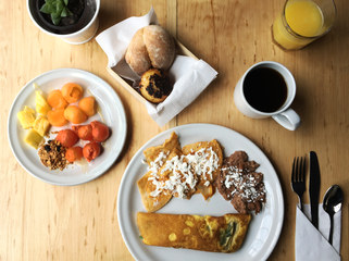 Breakfast included / Breakfast included