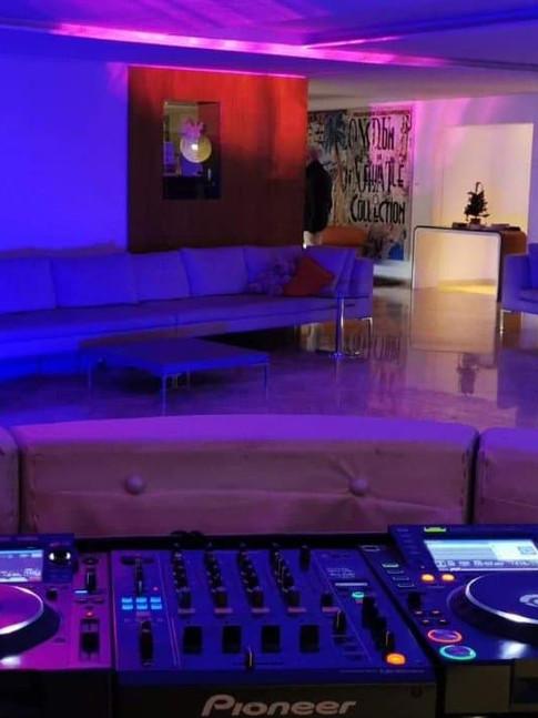 REGIE DJ ET ÉCLAIRAGE LOUNGE