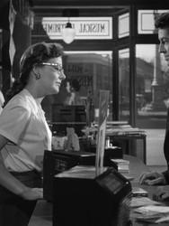 extraos-en-un-tren-1951-cine-clasico-siglo-xx-23.jpg