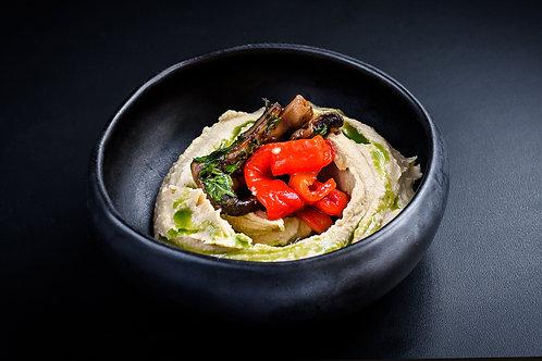 Pastă de năut cu ardei copt și ciuperci sotate
