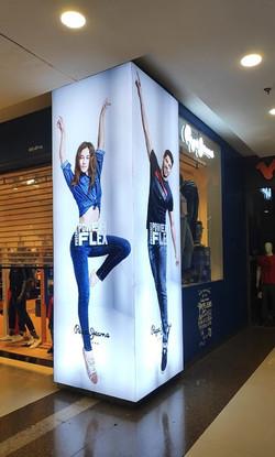 Column Backlit Pepe Jeans