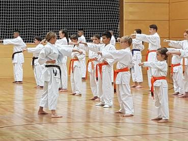 Karate-Nachwuchstalente in Obertshausen