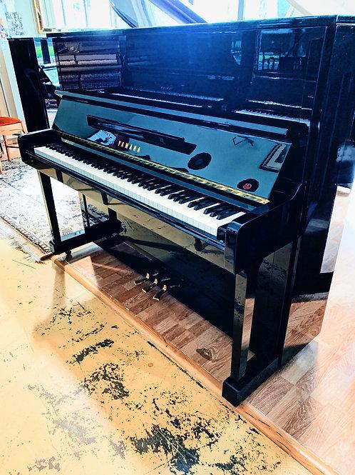 Occasion piano droit noir brillant marque yamaha modele U10BL Bonnaventure Caen
