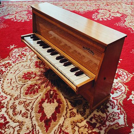 stockage piano gardiennage caen bonnaventure pianos
